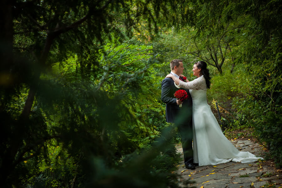 Nyc Elopement Central Park Shakespeare 39 S Garden Affordable Wedding